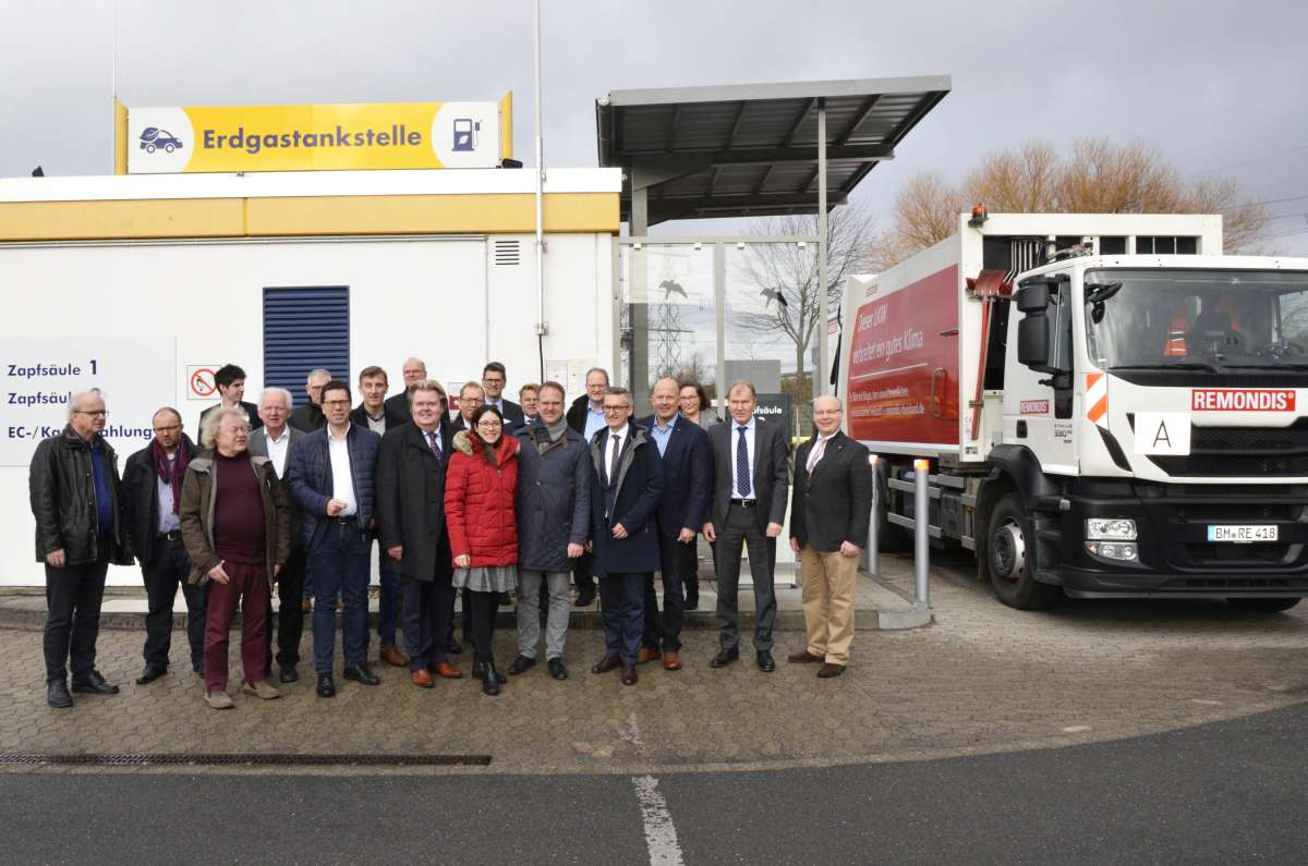 Many representatives from politics and industry joined the official inauguration of the CNG biomethane filling station GVG Rhein-Erft.