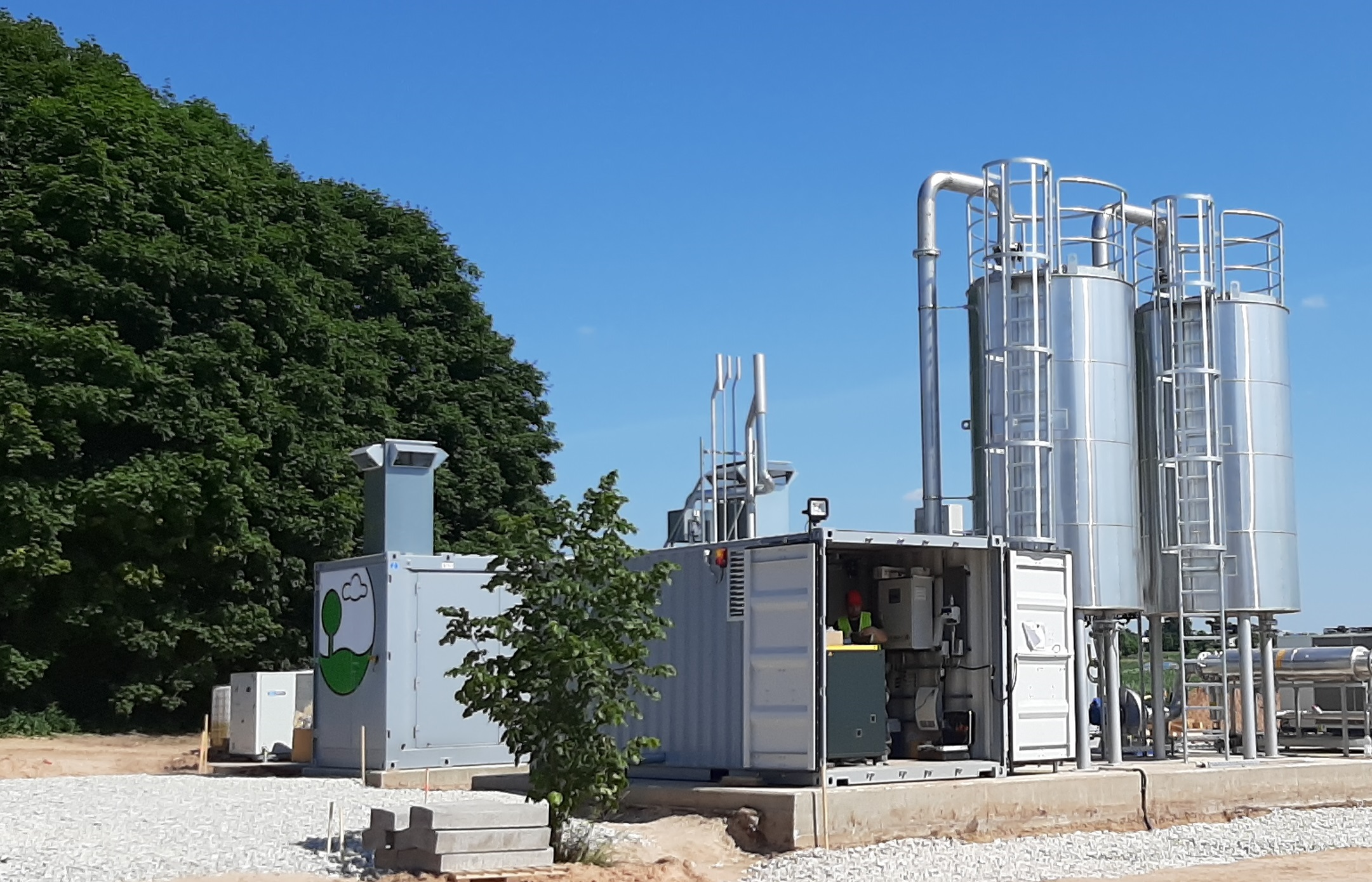 Only 6 months after order placement the EnviThan gas upgrading plant feeds biomethane into the estonian gas grid.